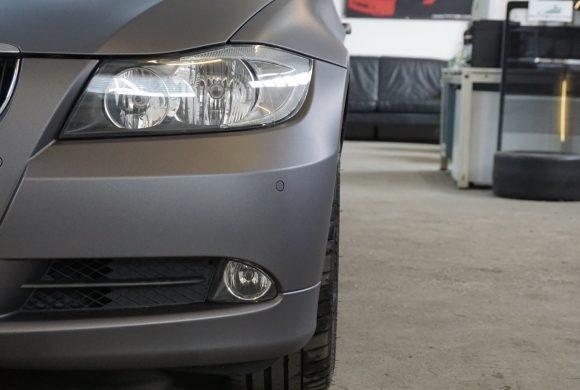 Vollfolierung in Grau Matt. BMW E90