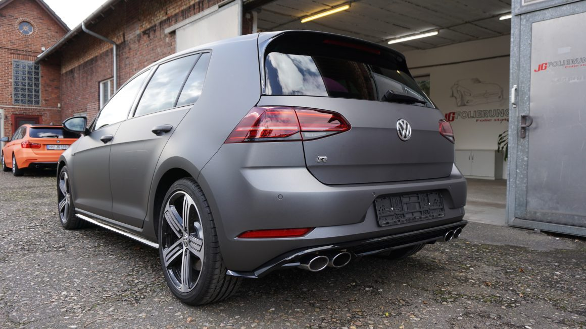 Vollfolierung in Grau Matt. Golf 7R